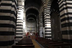 Borutta_-_Chiesa_di_San_Pietro_di_Sorres_(13)