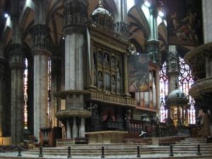 Duomo_di_Milano_interior_3