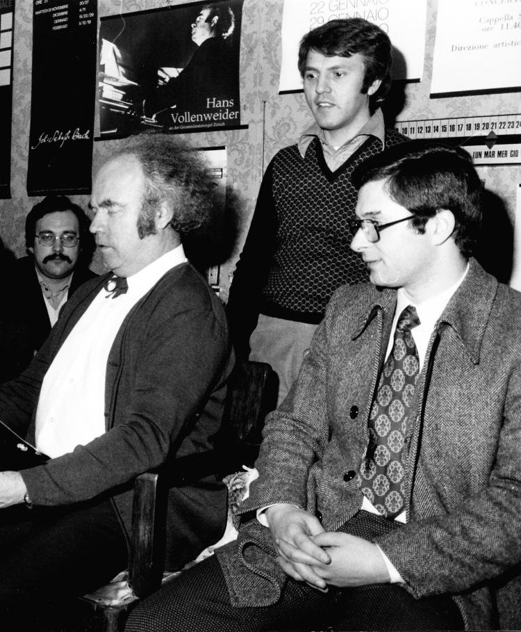 Angelo Marzatico (a sinistra sul fondo) con Hans Vollenweider, Gino Grazioli ed Enzo Corti