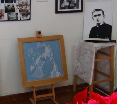 Fine ricamo di Roberta Argiolas (Iglesias 2015) in Casa Allori – Gonnesa
