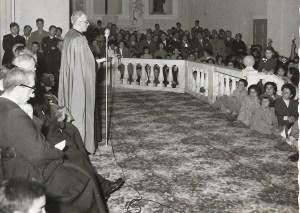 """S.E. mons. Giovanni Pirastru (Discorso durante l'Accademia musicale – 20 novembre 1955) Foto: Archivio """"Casa Allori"""" - Gonnesa"""